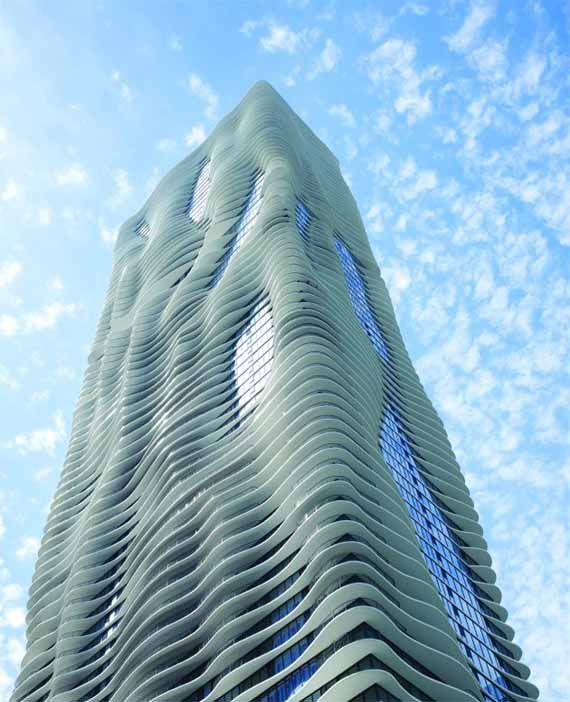 Modern-Aqua-Tower-Building-by-Studio-Gang-Architects[1]